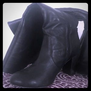 Torrid Black Knee Boots 9W